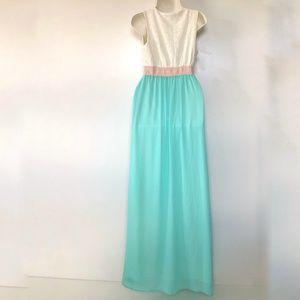 Flying Tomato Dresses - Flying Tomato Dress Medium Maxi Boho Embroidered V